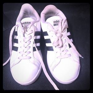 ADIDAS!!! The Original Classic Sneaker Style Shoe
